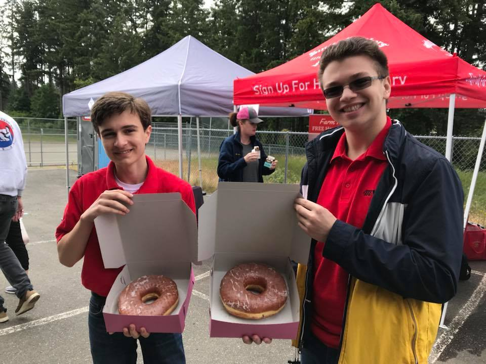 GIANT DONUTS...and fun on tour!
